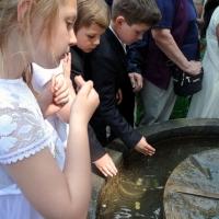 Pielgrzymka dzieci pierwszokomunijnych z rodzicow do Banneux 28.05.2016